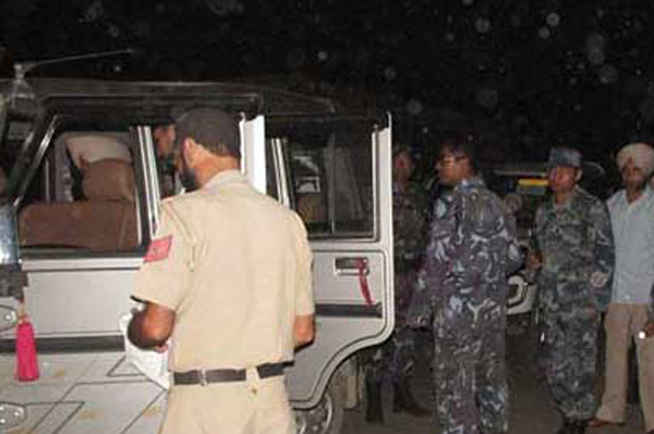 Two_Indian-police_arrest_from_thankot_822821204